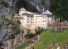 Castelo medieval de Predjama